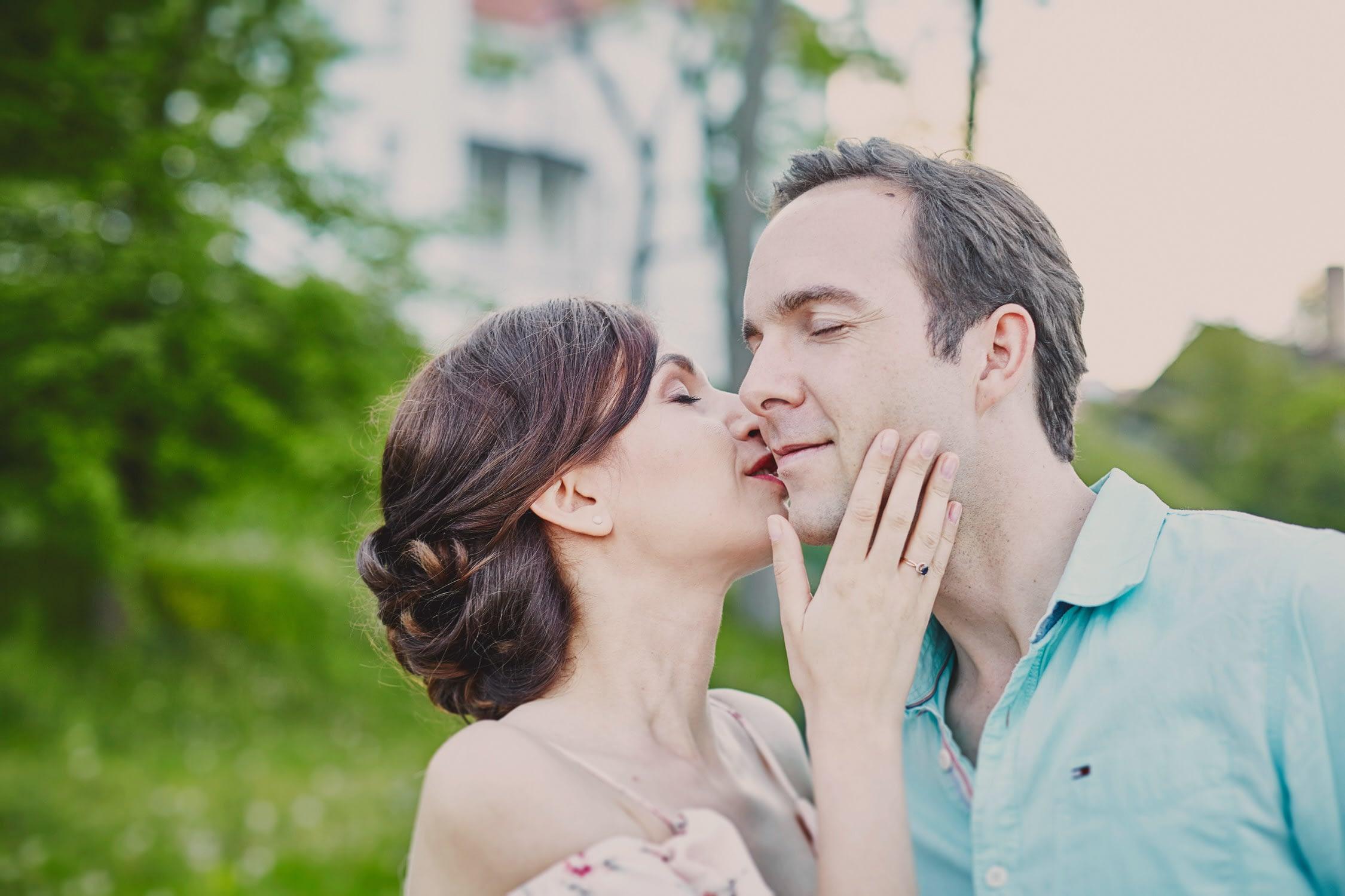 Sesja narzeczeńska Białystok pocałunek