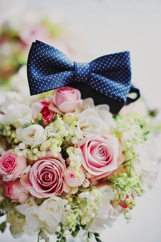 Zdjęcia ślubne mucha kwiaty