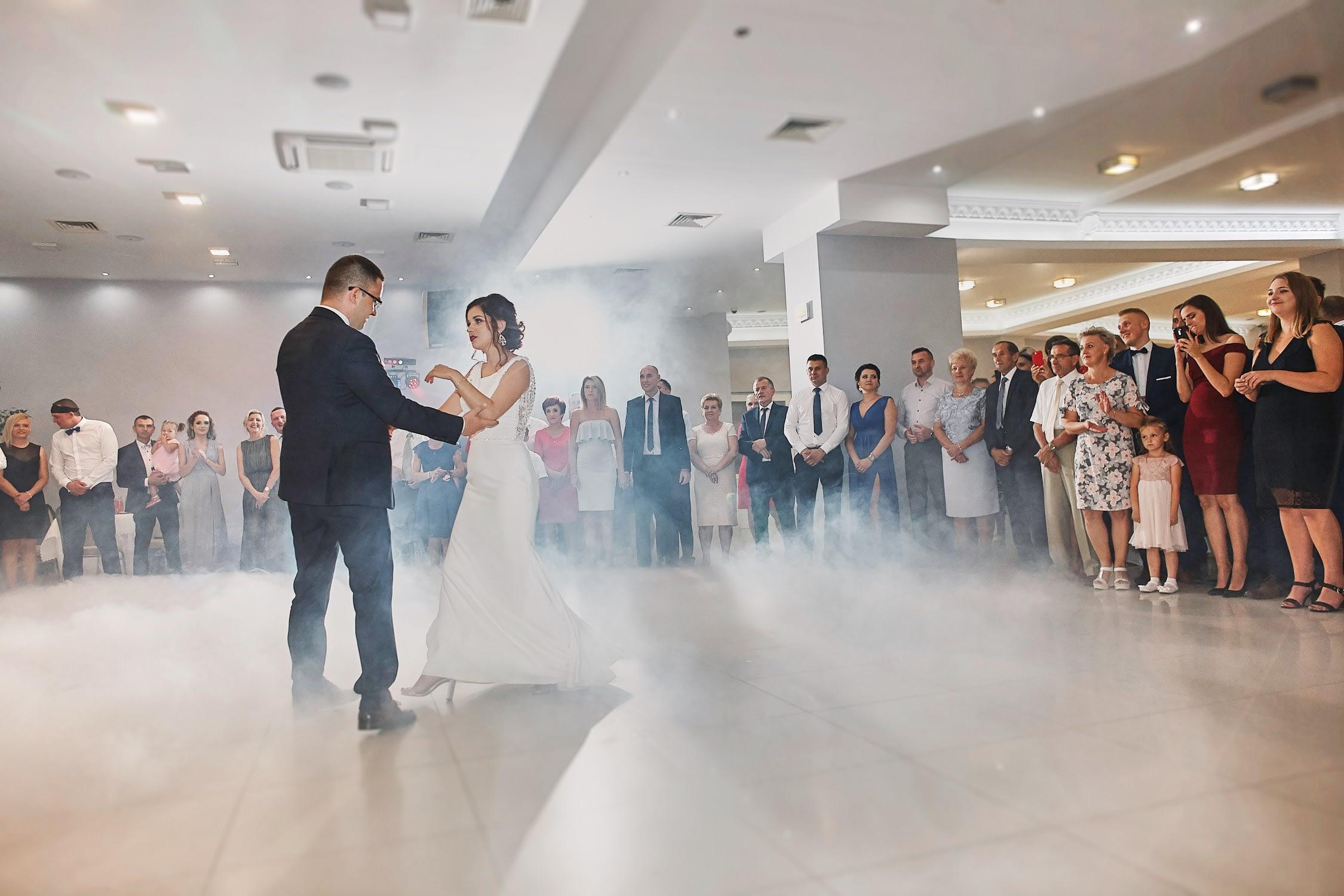 Zdjęcia ślubne pierwszy taniec wesele