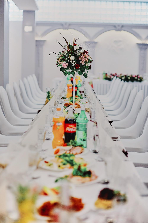 Zdjęcia ślubne sala weselna detale