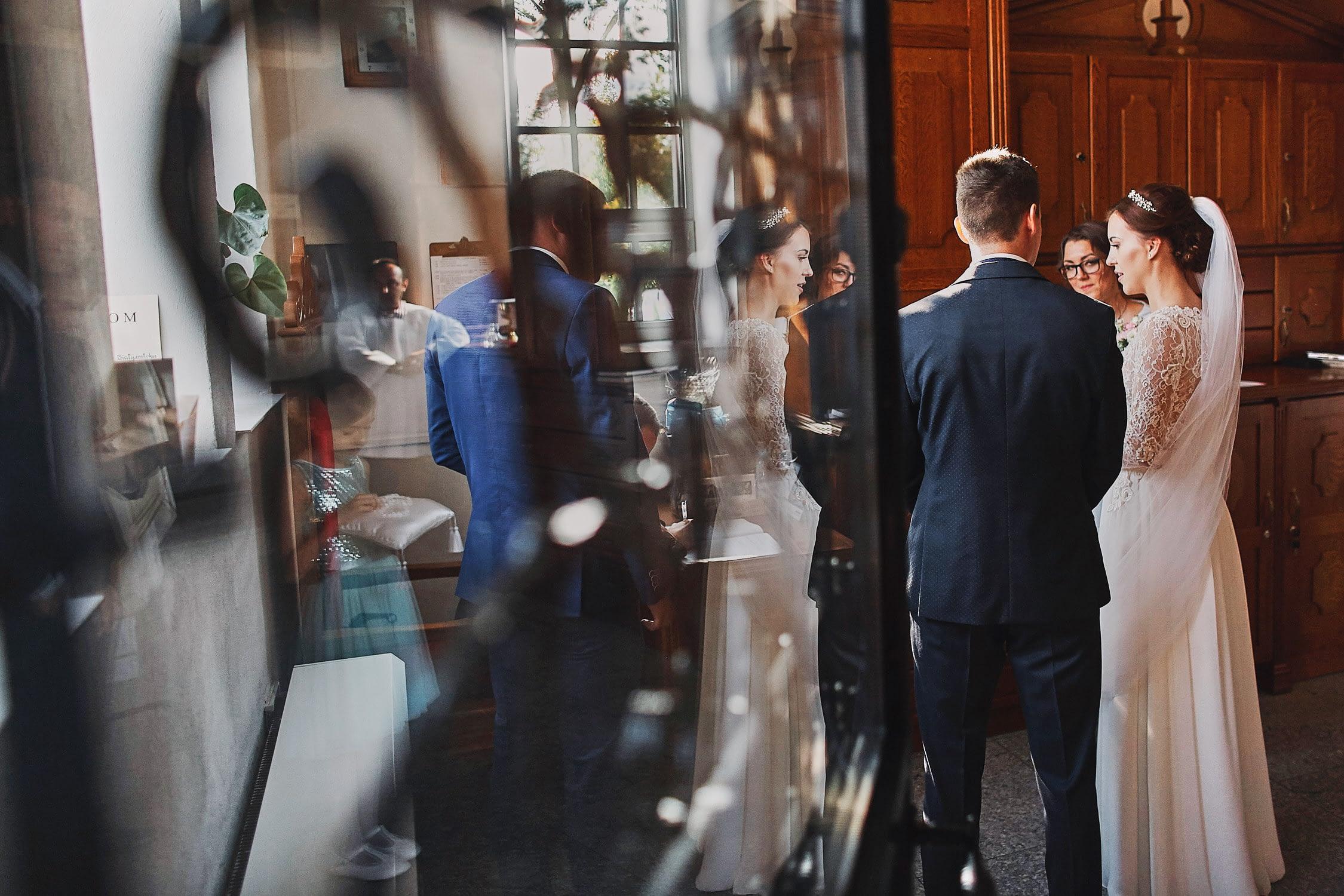 Zdjęcia ślubne ceremonia podpisy